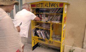 Création d'une boîte à don à l'oasis ressource des Jardins de Baugnac.