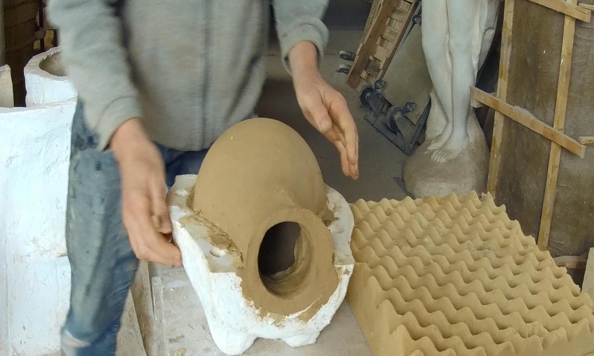 Fabrication ollas en terre cuite, Jardins de Baugnac.