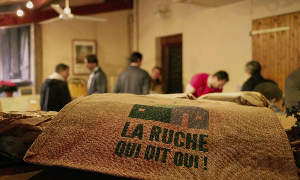 Distribution chaque jeudi de produits locaux par les producteurs...